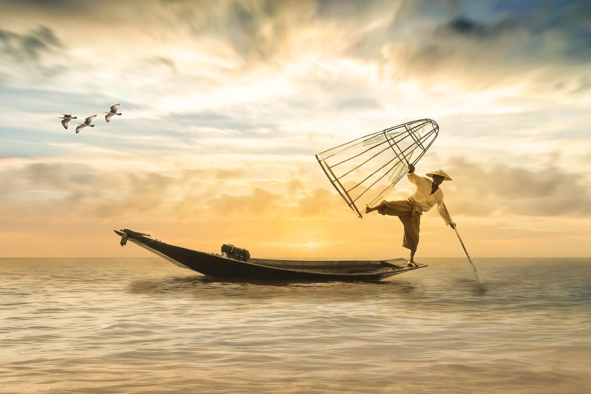человек на лодке